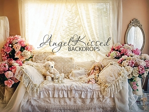 Annabelle's Room - 80x60 (Horizontal Design)