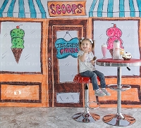 Ice Cream Parlor 2 (Horizontal Design)